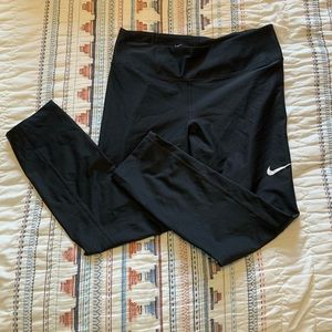 Nike leggings- size M!
